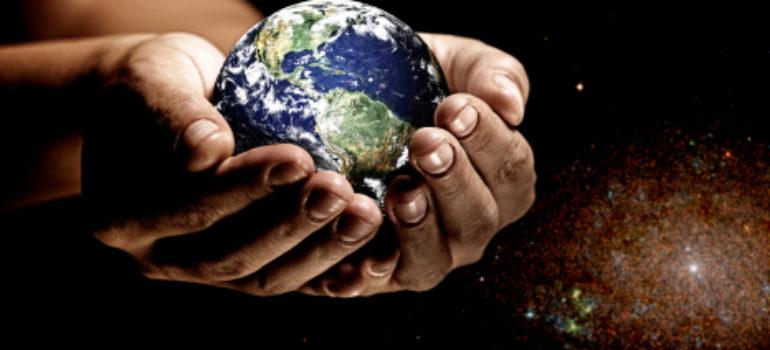 Meditazione del giorno: Nella palma della mano di Dio.