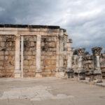 Meditazione del giorno: Due colonne davanti al tempio