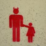 Una statua di Satana davanti al Parlamento dell'Oklahoma, «pensata come un gioco per bambini»